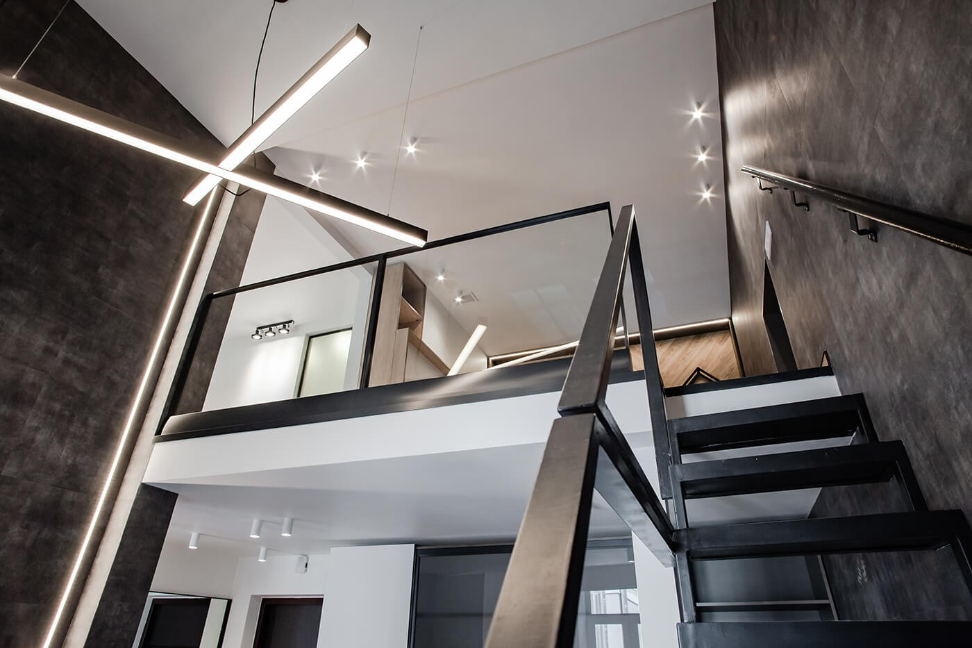 Duplex Family Apartments with a Balcony №5
